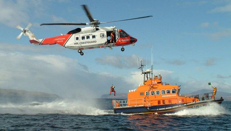 Hélicoptères de recherche et de sauvetage avec transpondeur AIS